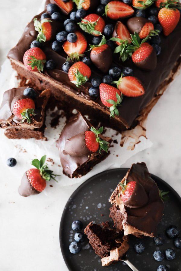 chokoladetærte med blåbær