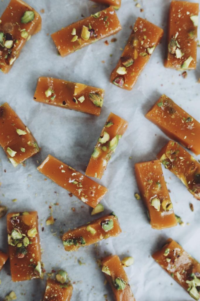 Flødekarameller med pistacie
