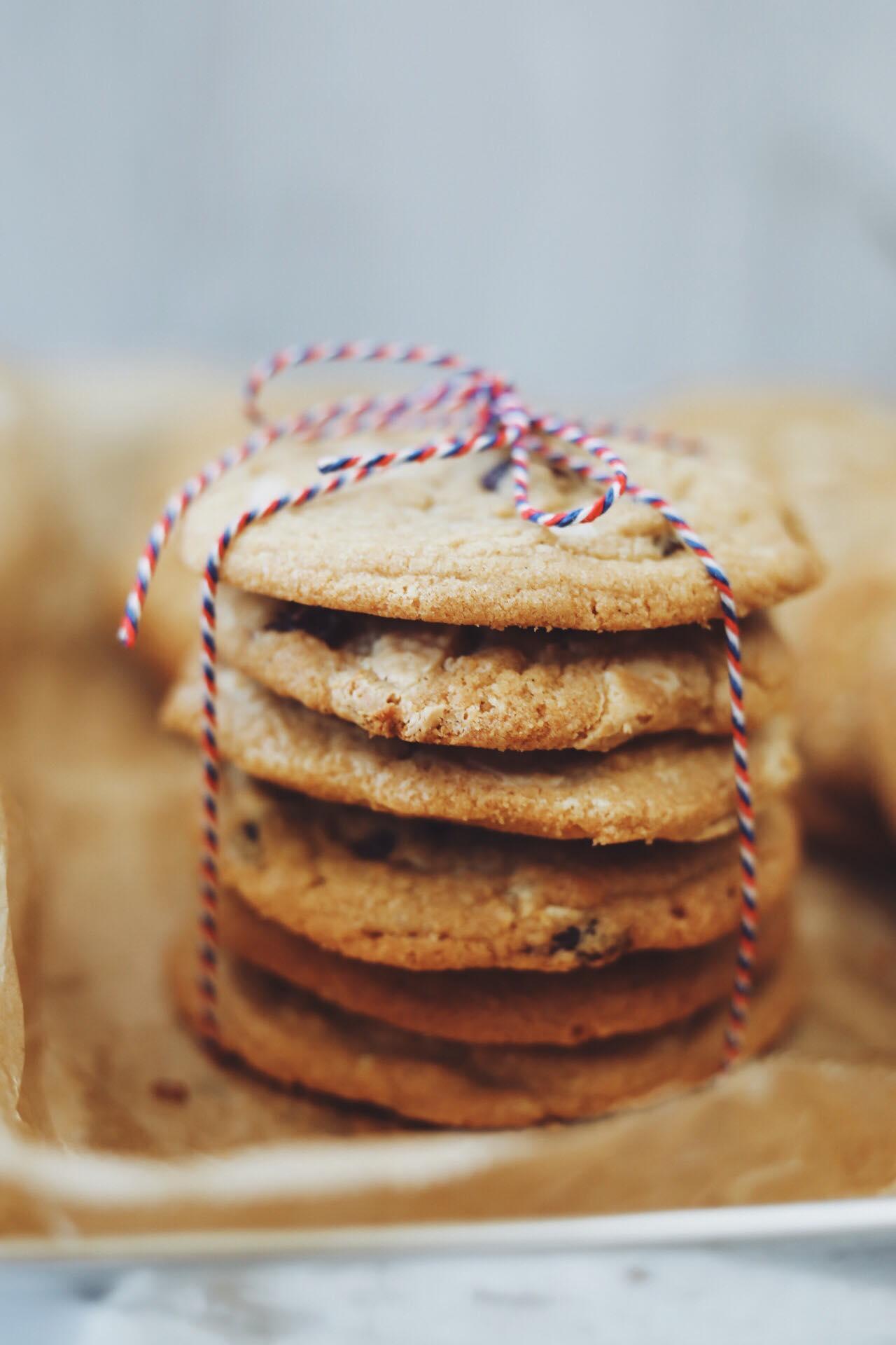 FreJulecookies med hvid chokolade og tranebær