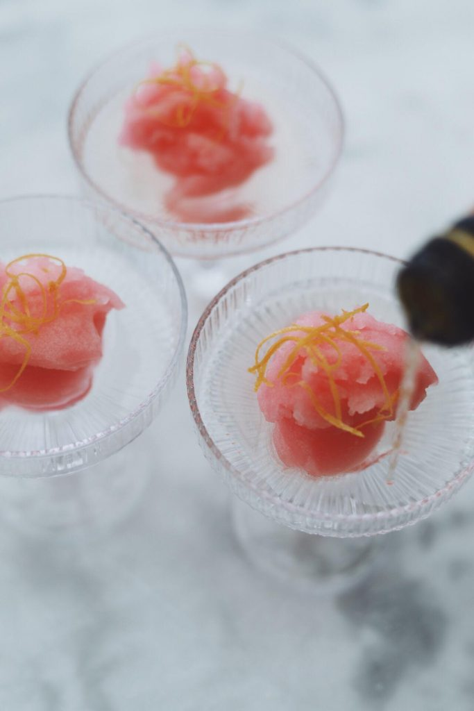 Pink champagnesorbet med grapefrugt