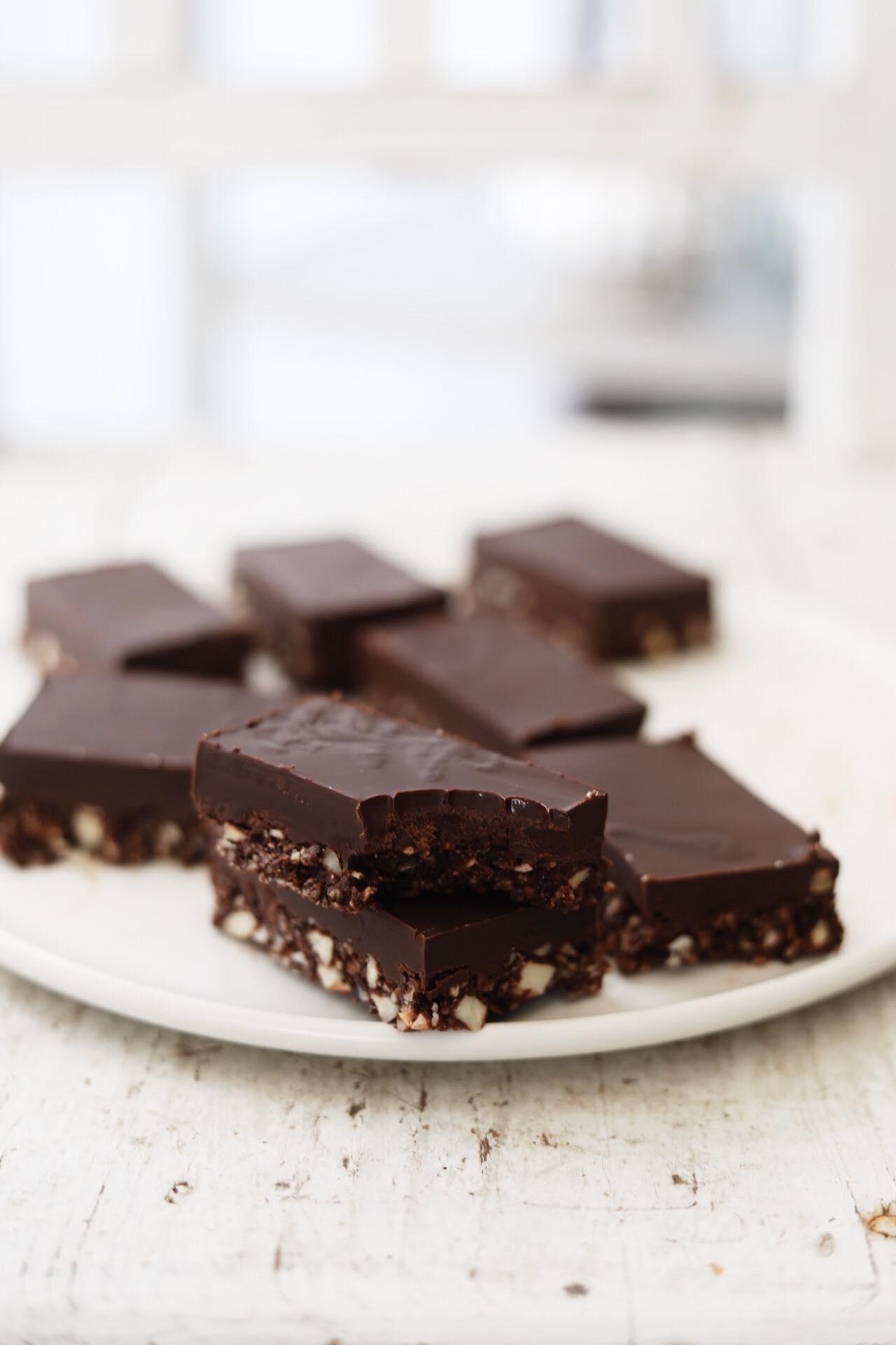 Nøddebidder med chokoladelag