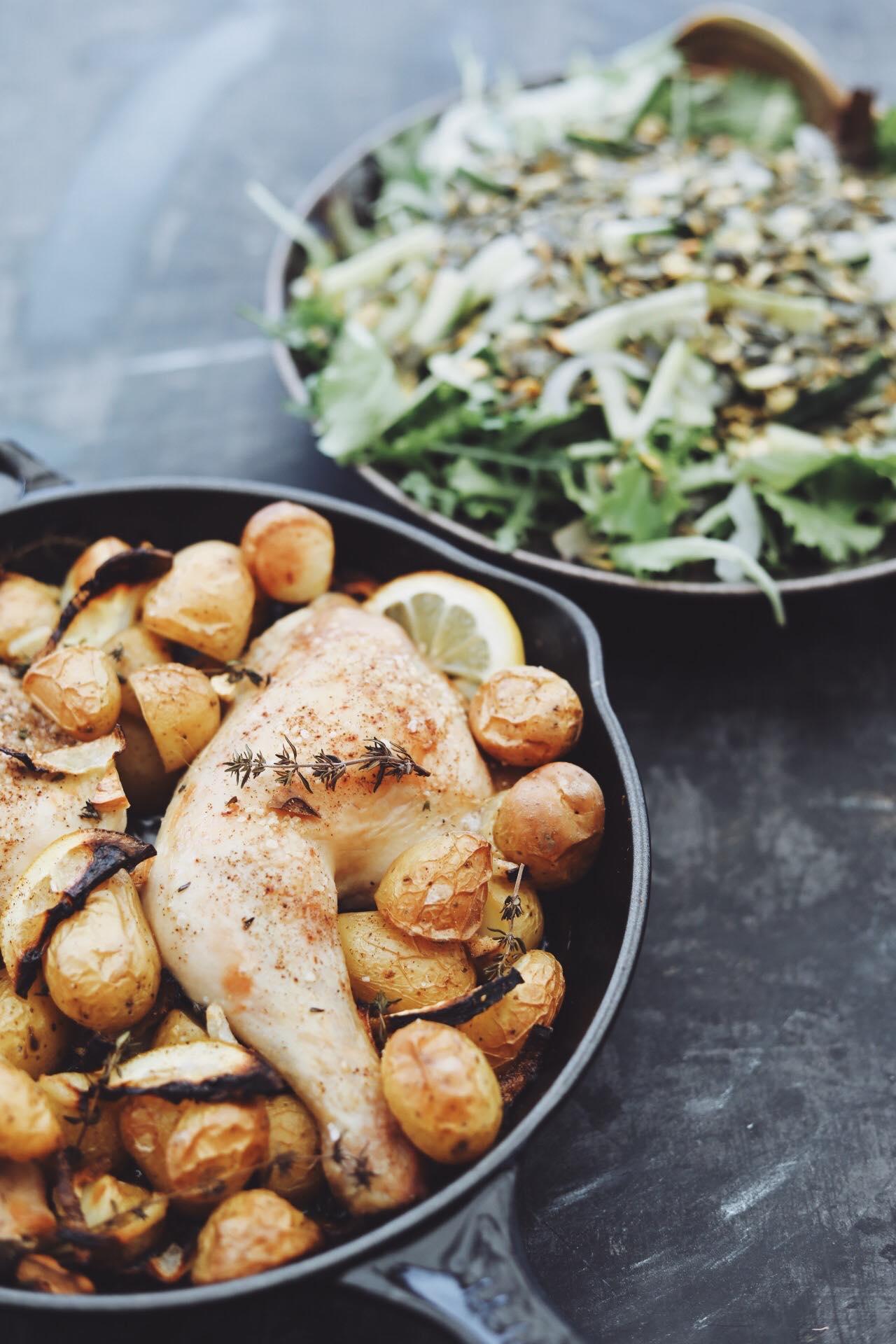 Ovnstegt kylling med kartofler og urter