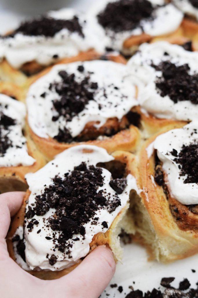 Snaskede snegle med Oreo og vanilje frosting