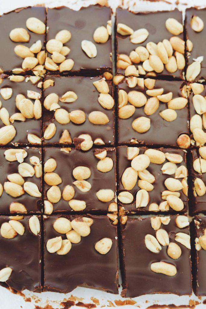 Sukkerfri chokoladebarer med peanuts