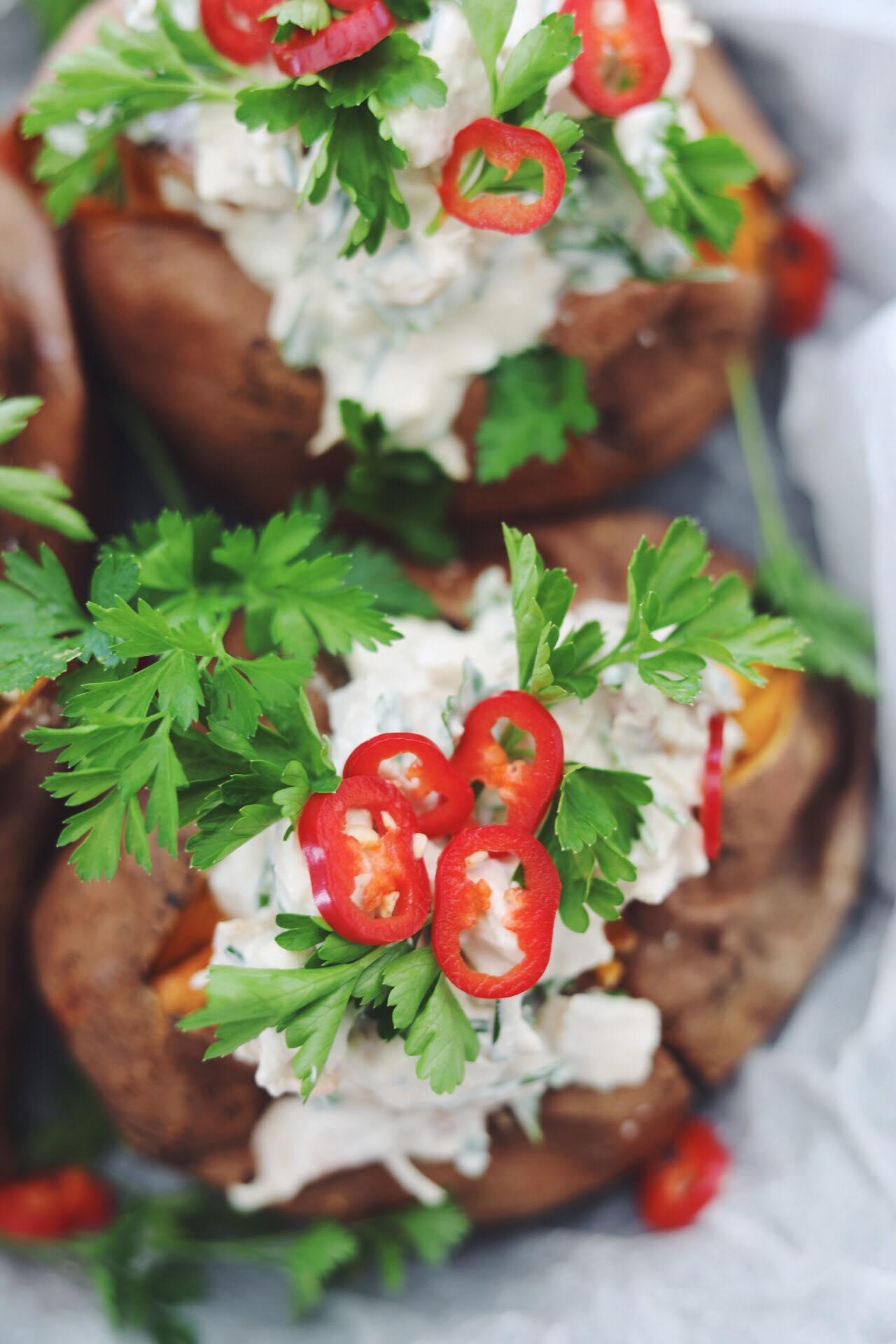 Bagte søde kartofler med kyllingefyld