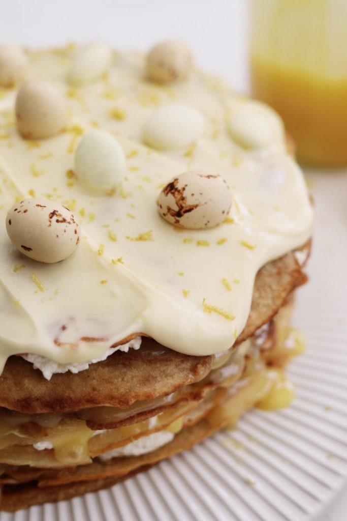 Pandekage lagkage med hjemmelavet lemoncurd