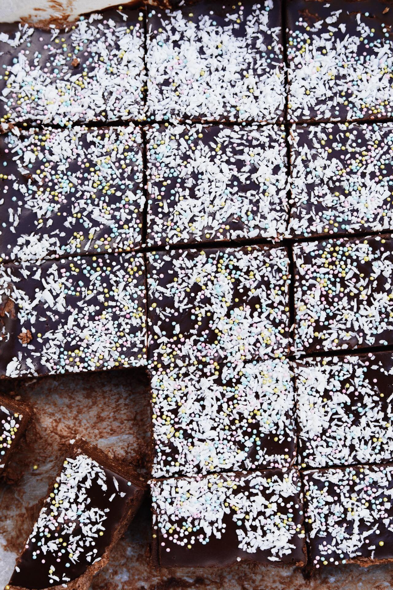 Havregrynskuglekage med chokoladeganache