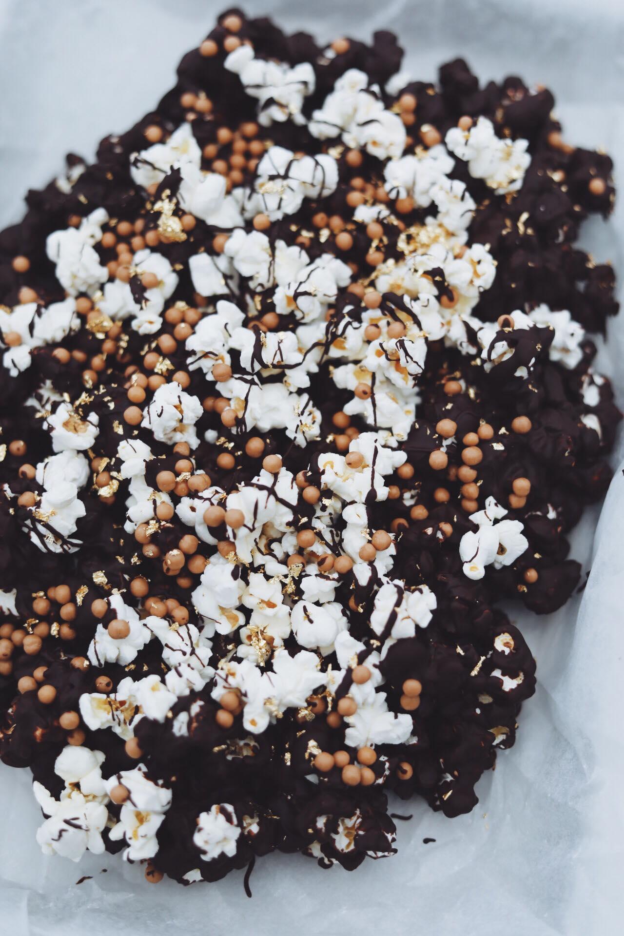 Fredagshygge- Chokoladebrud med popcorn og rosiner
