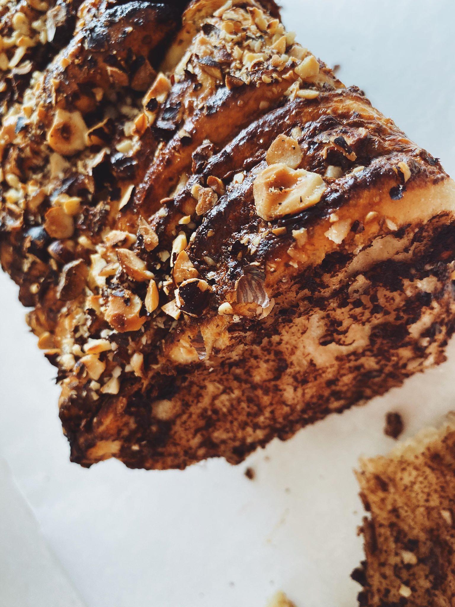Pull-apart brød med nutella og hasselnødder