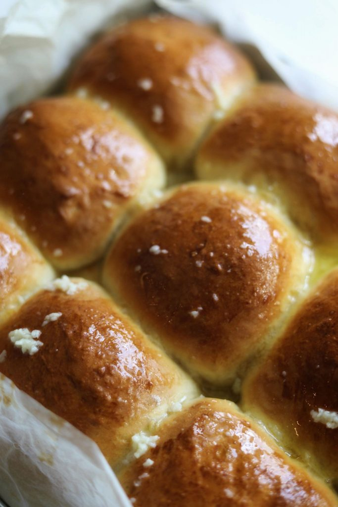 Bløde osteboller med hvidløgssmør