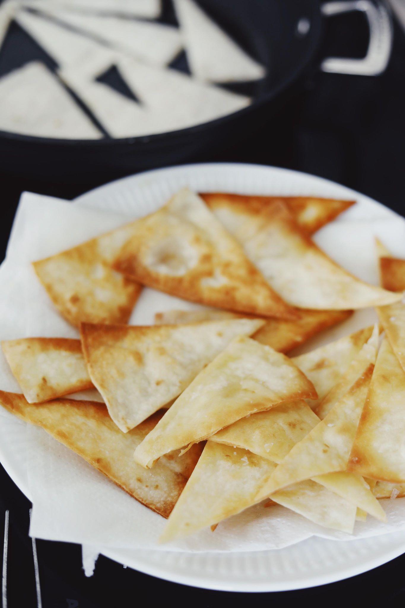 Krydret gratineret kylling med sprøde tortilla chips