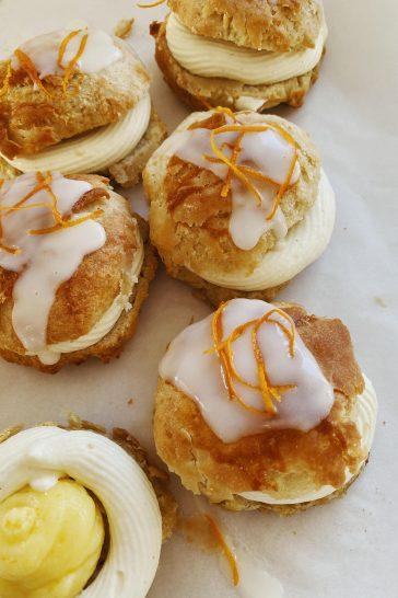 Fastelavnsboller med vaniljecreme og appelsincurd