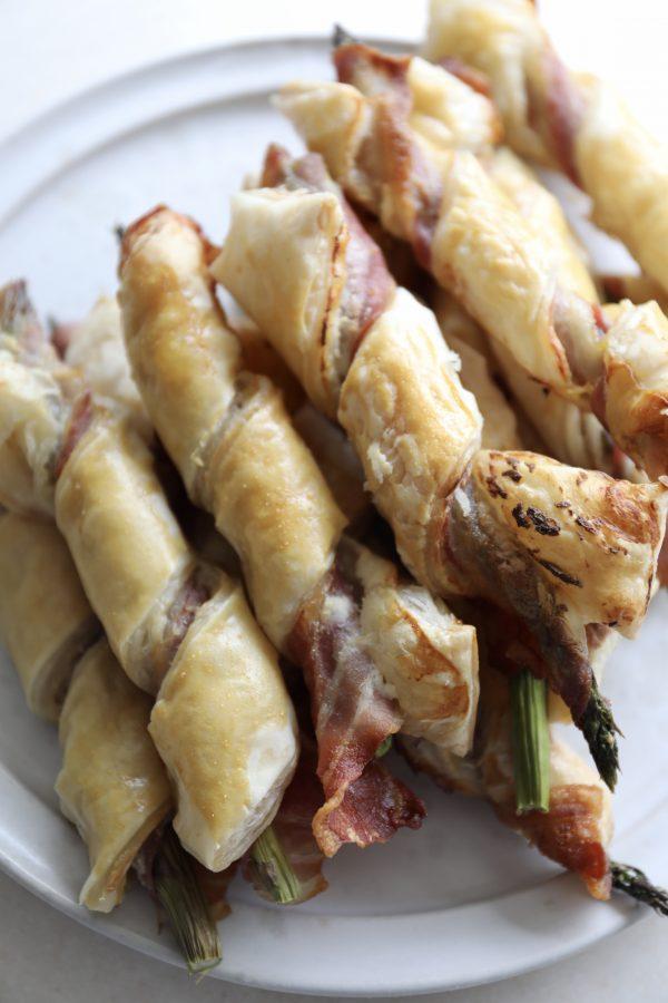 Asparges med bacon og butterdej