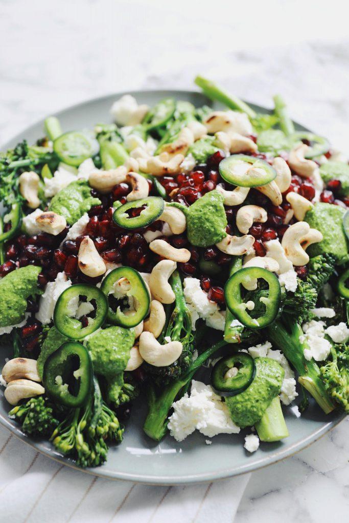 Stegte broccolini med feta og cashewnødder