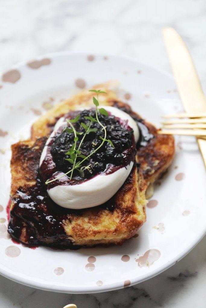 French toast med ricotta og blåbær
