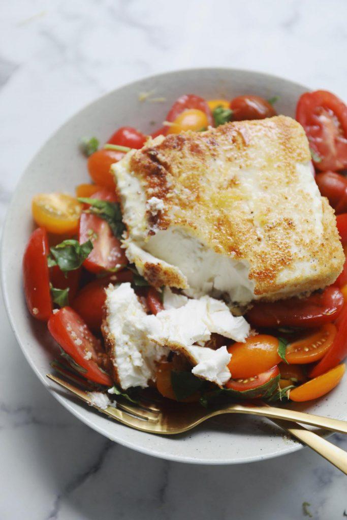 Tomatsalat med friteret feta