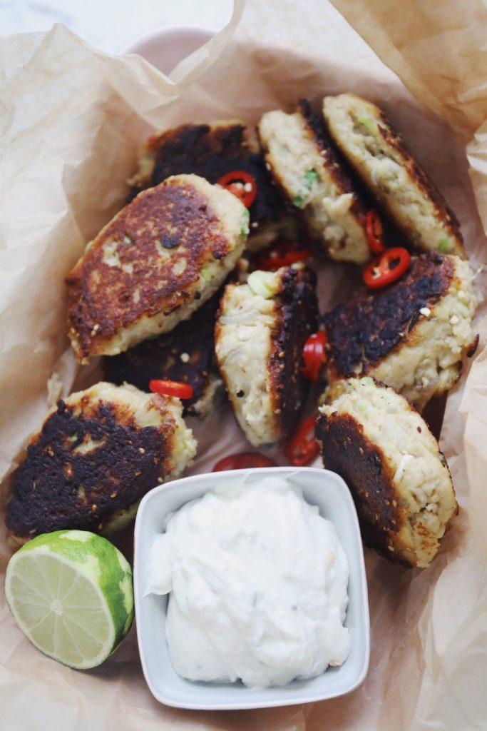 Fiskefrikadeller med chili og forårsløg