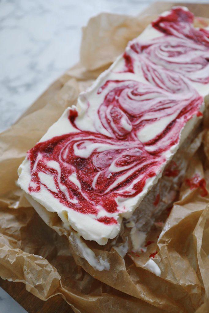 Is med hindbær og mascarpone