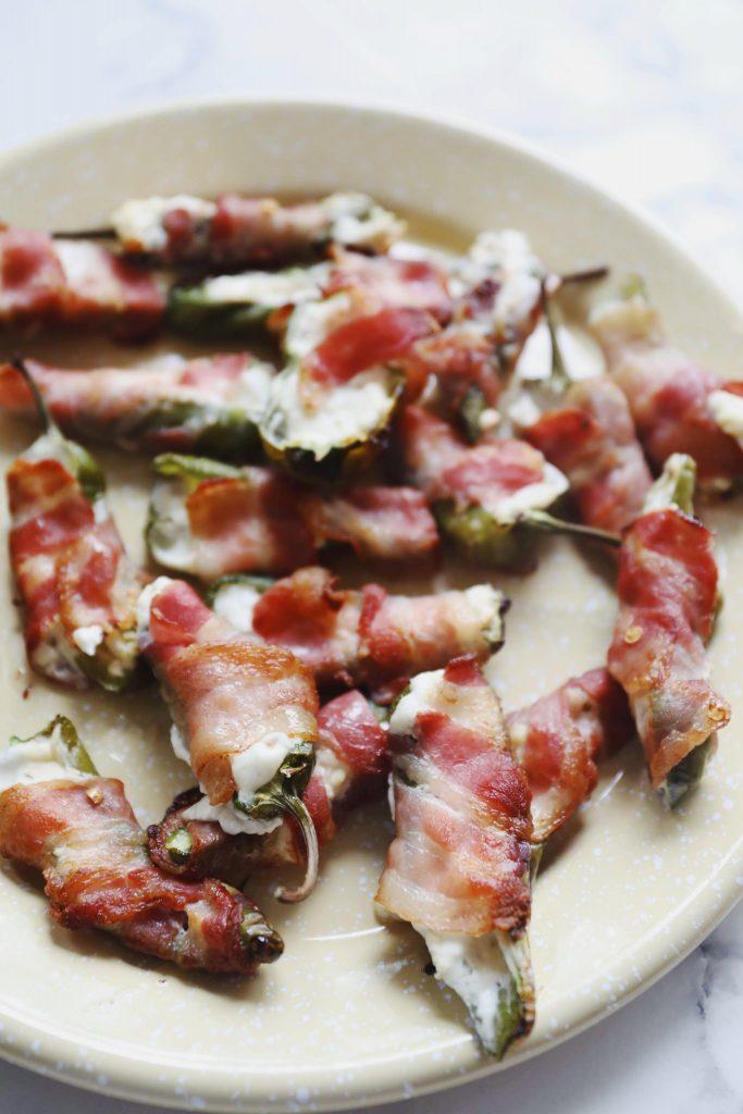 Bagte padrons med flødeost og bacon